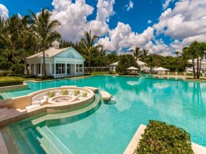 Home Staging Tips for the Pool