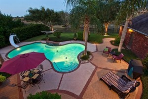 Summertime Home Staging Tips for the Patio
